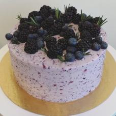 Mustika tort peidetud juustukoogiga