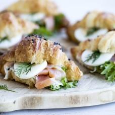 Croissant soolalõhega ja tartar kastmega (60 gr)
