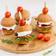 Mini burger kanašnitsliga, värske tomati ja hapukurgiga (tk)