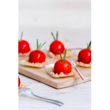 Kanamousse peegelglasuuris parmezani crunchiga (30 gr)